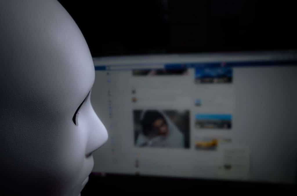 Facebookでの誹謗中傷の実例と刑事・民事の責任追及